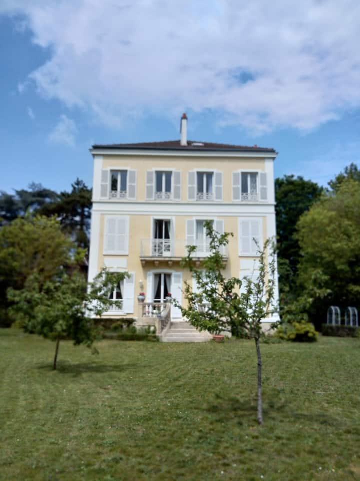 Appartement Design, 90 m2, 30 mn de Paris, Jardin