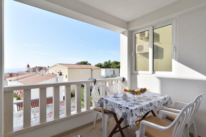 2) Apartment with 1 bedroom/2 floor