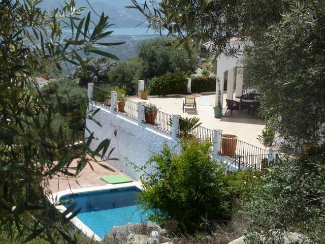 Stunning villa with amazing views