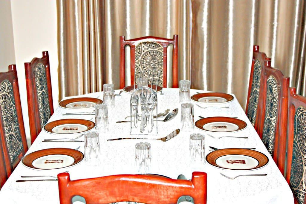 Dining Set with full set cutlery