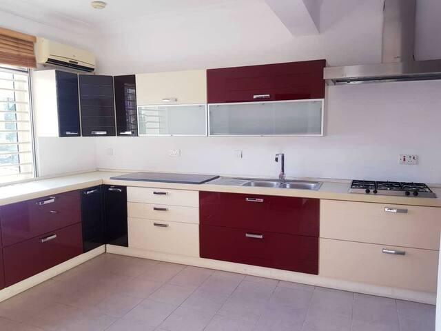 Luxurious 1 bedroom shared apartment in Oniru