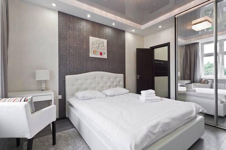 Luxury apartment on K. Marksa str.8