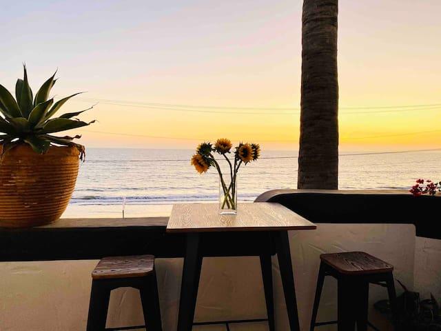 Beachfront Castle Rock Villa Stunning Ocean Views!