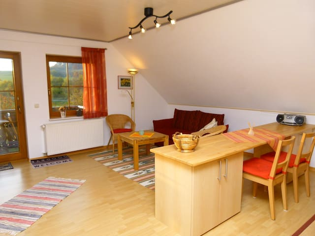 Holiday Apartment 'Prümtalblick' - Prüm - Daire