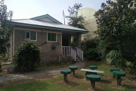 Cozy Magnolia Cottage at Nagri, Palampur - Kangra - Bungalow