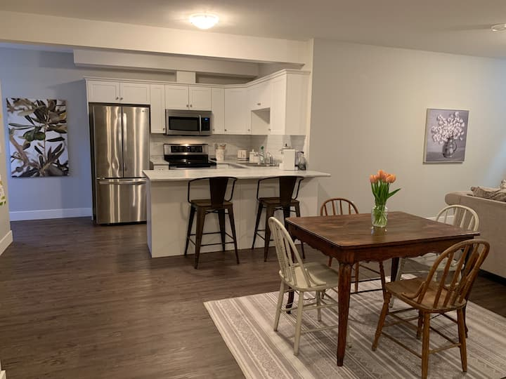 The Sage Suite at River's Edge : 2 bedroom living