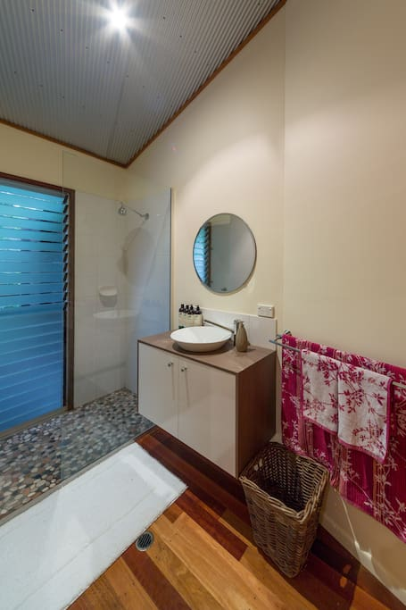 Garden Room Ensuite Shower Room
