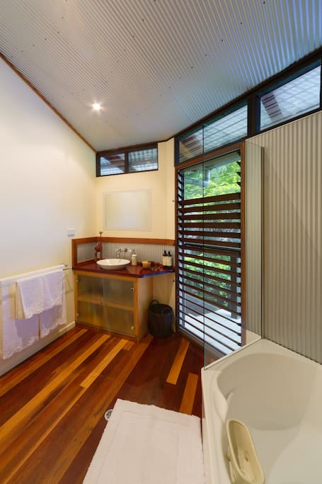 Resort Room Ensuite with Bath