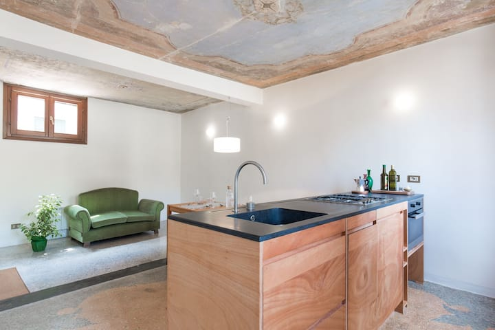 A designer apartment in Biennale