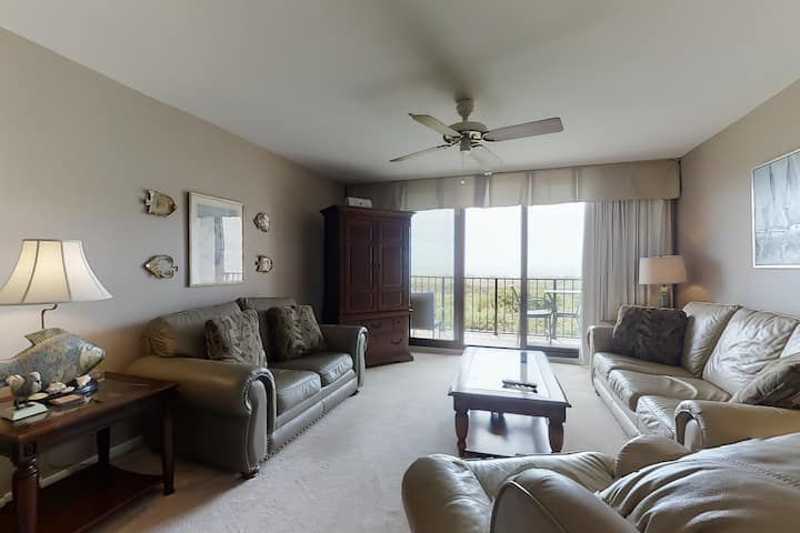 Waterfront condo by the beach w/ balcony, shared pool/ hot tub, & tennis court