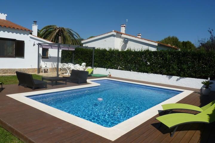 Ideal casa de vacaciones en Bon Relax con piscina privada