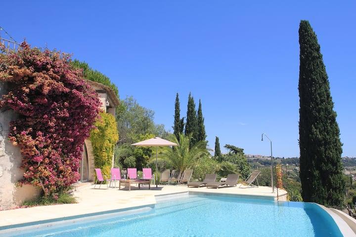 Villa  au calme 12 pers, piscine à débordement