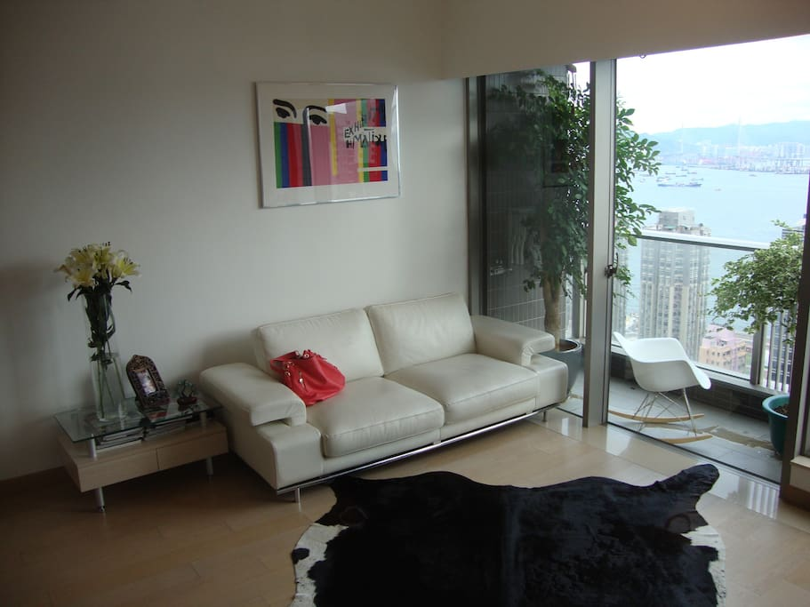 Living roomjkl