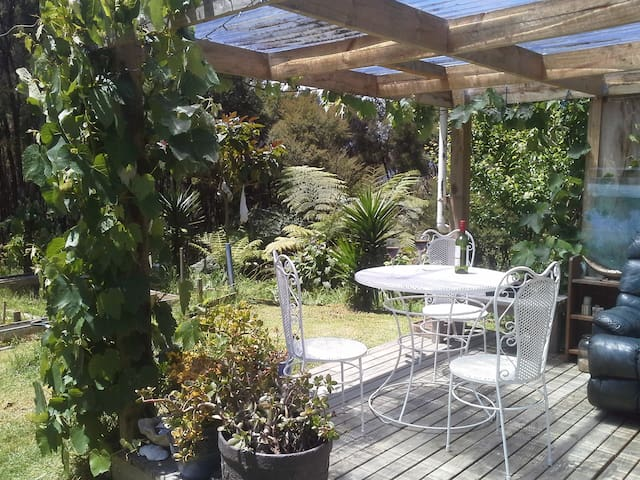 Russells Rustic Bush Cottage - Paihia