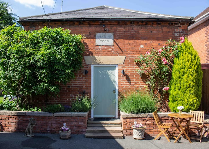 Stylish 1 bed self contained home in Doveridge.