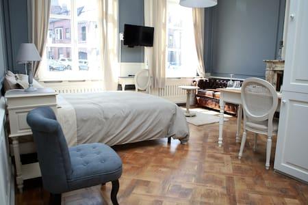 Studio (30m2) dans hôtel de maître - Mons