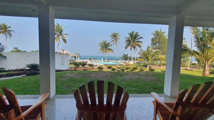 Casa rustica planta baja con playa , alberca