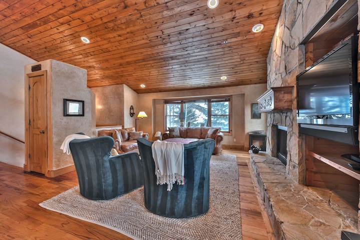 Living Room with Comfortable Furnishings, Gas Fireplace and Smart TV