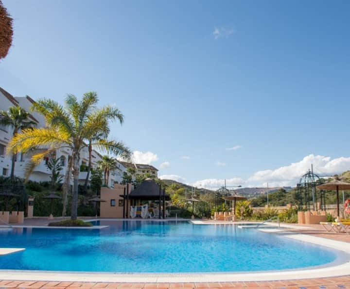 3 bedrooms, 5 swimming pools, ideal for families!