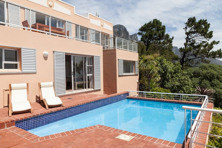 Garden-Cottage & Luxury House Share
