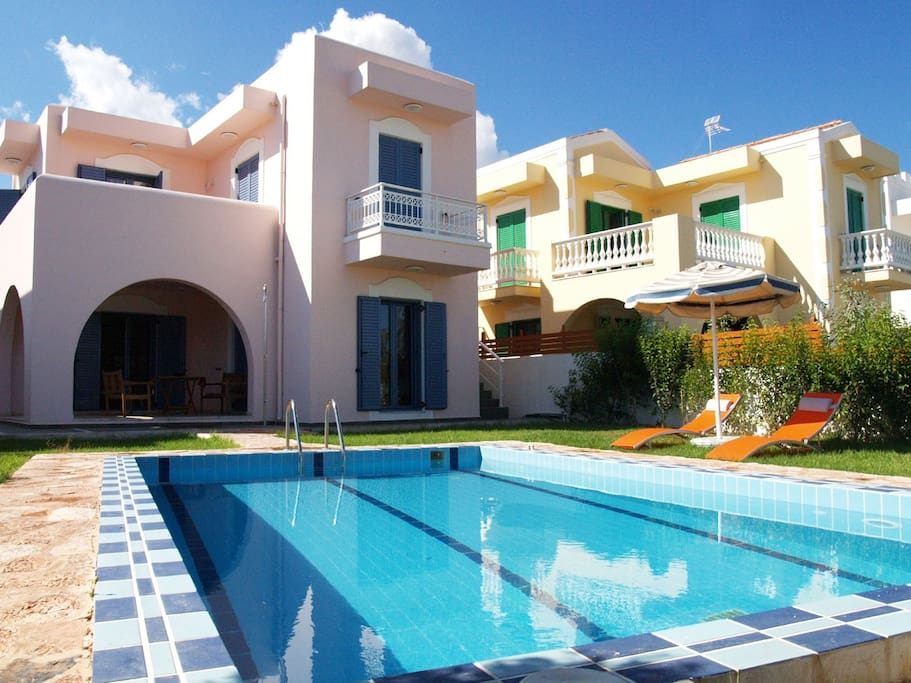 2 floors villa with 3 bedrooms and 2 bathrooms