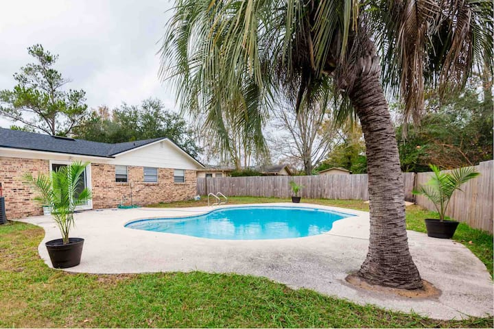 Super clean and updated home with beautiful pool!