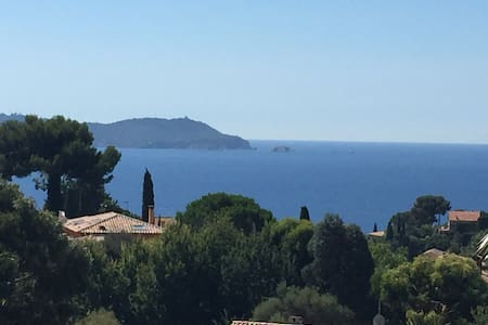 Grande maison, vue mer, piscine, idéal groupes - Carqueiranne - Rumah