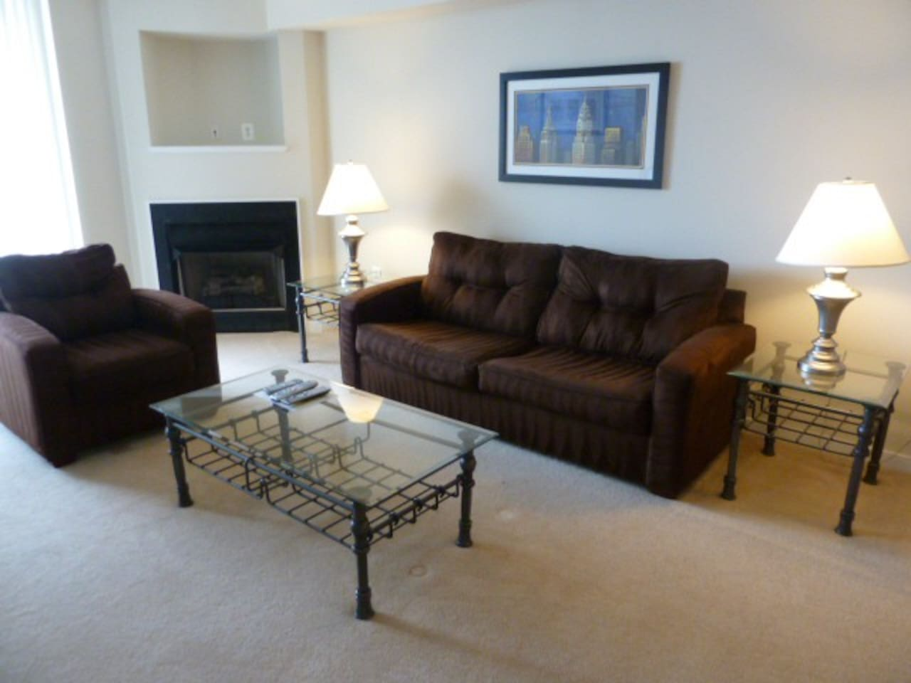 [1412-2]2BR At Pentagon Row