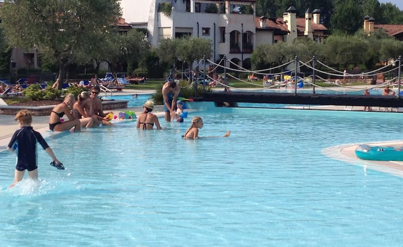 Garda Resort, apartment with terrace & pool view
