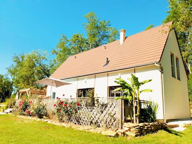 Maison Climatisée proche Sarlat,Piscine,Lac,Spa