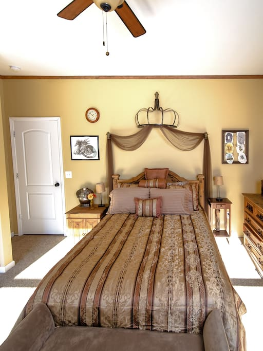 Queen bed with variety of pillows to chose comfort level