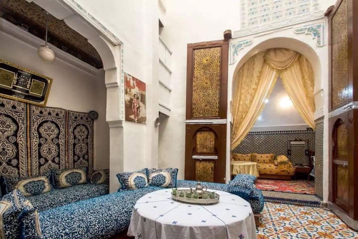 Family Room Sunny Riad inside Medina Fes El Bali