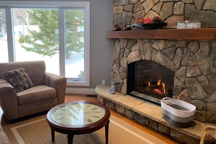 Casa Muskoka Escape ~Relax~Re Charge-Work-Play