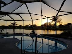 Relaxing+Lake+view%2C+pool%2C+great+location%2C+4+br%2F2b.