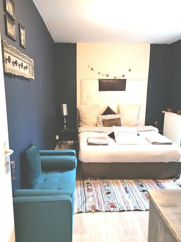 Cosy Saphir's room, near the Heart of Paris