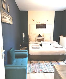 Cosy Saphir's room, near the Heart of Paris