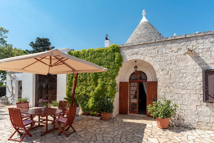 Charming Trullo in Puglia for 5 people