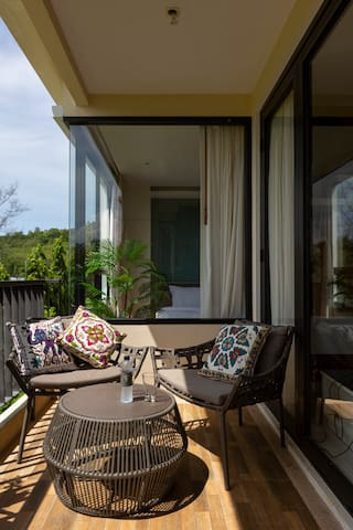 Comfy, quiet and nice 2-BR apartment, big balcony ❤️ NaiHarn Beach (88/75)