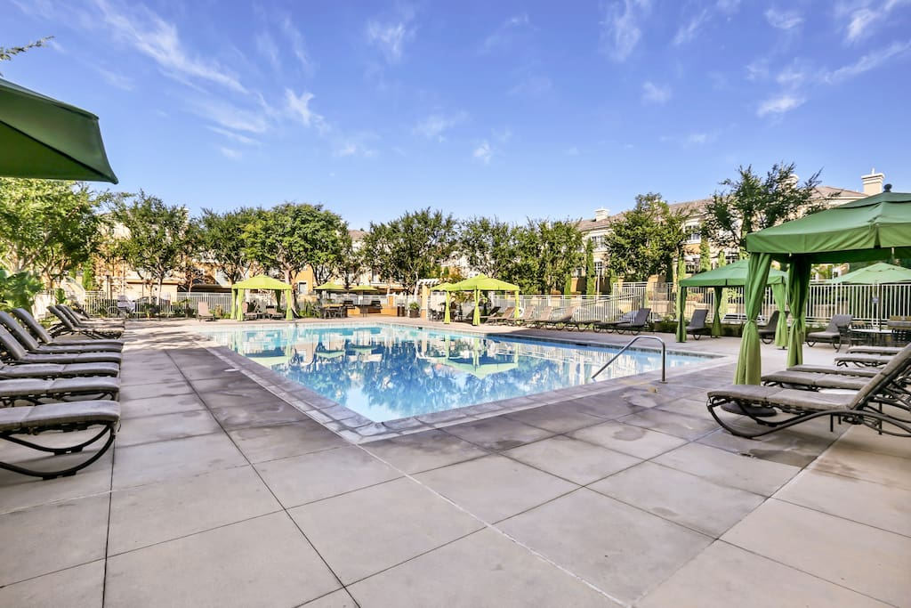 Huge pool with plenty of lounge chairs. Perfect to soak up the SoCal sun!