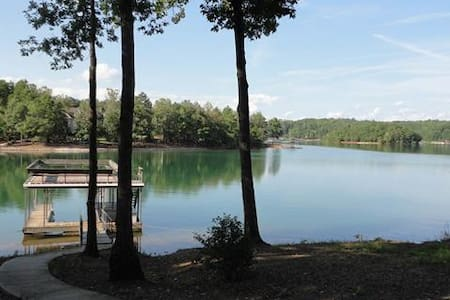 Dujardins Keowee Waterfront Home - West Union - Rumah