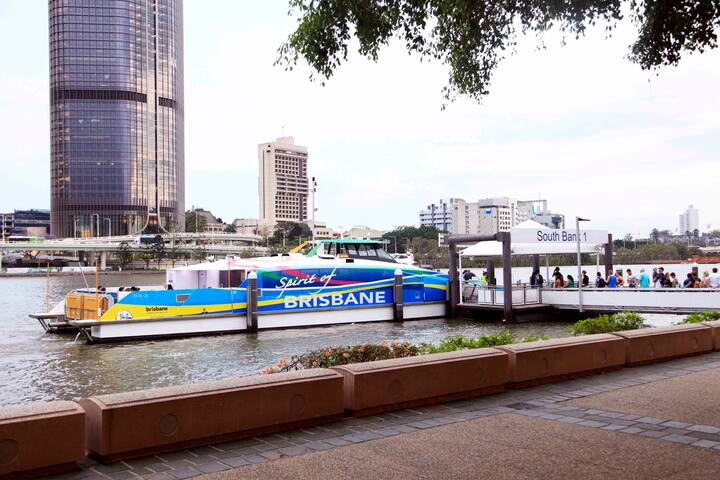 Short walk to CityCat and Free CityHopper along the river promenade