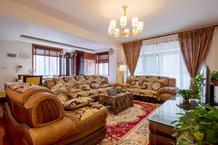 您在武汉的家   黄鹤楼/户步巷/汉街/湖大暖气麻将四室