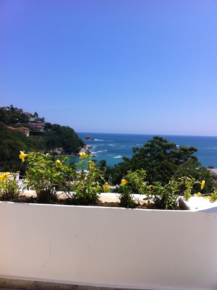 Oceanfront condo in 4**** hotel with private beach