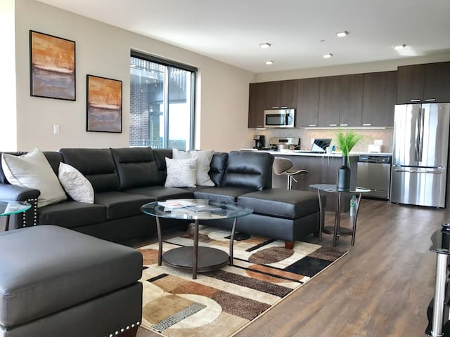 Luxury 2 Bedroom Apartment Near NYC #411