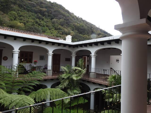 Hotel Casa Buho, Santa Ana, Antigua Guatemala