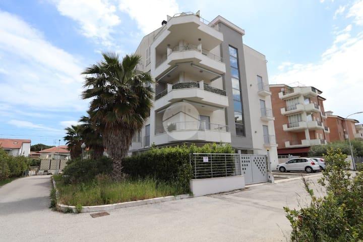Grazioso  e moderno bilocale vicino alla spiaggia