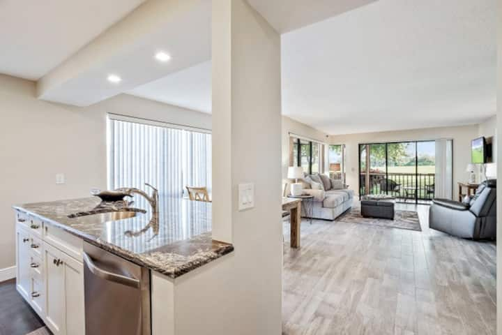 New PGA National 2BR Residence | Golf Course Views