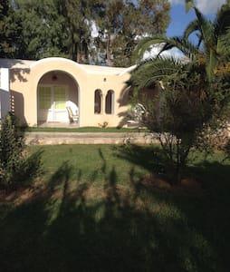 "Bungalow indépendant ""Dar Bedoui"" - La Soukra - Hus"