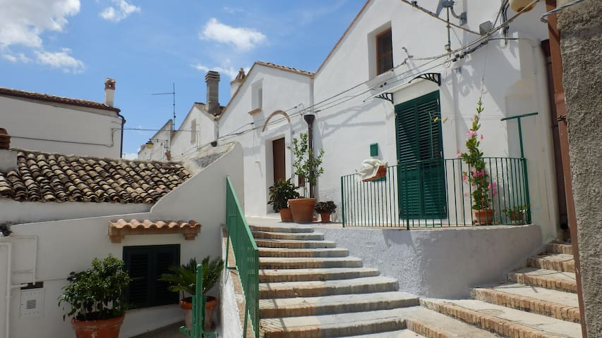 small , artist's house , pisticci - Pisticci