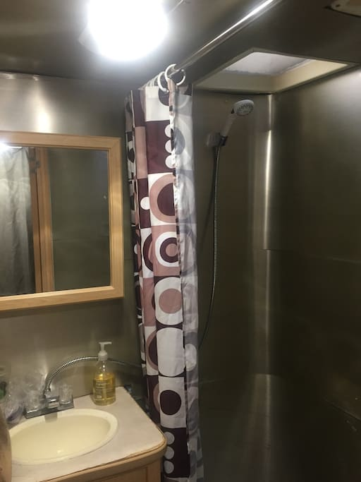 New full size shower for two if you want to save water.